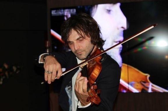 Король оркестра. Почему «наследник Страдивари» играет на скрипке попсу?